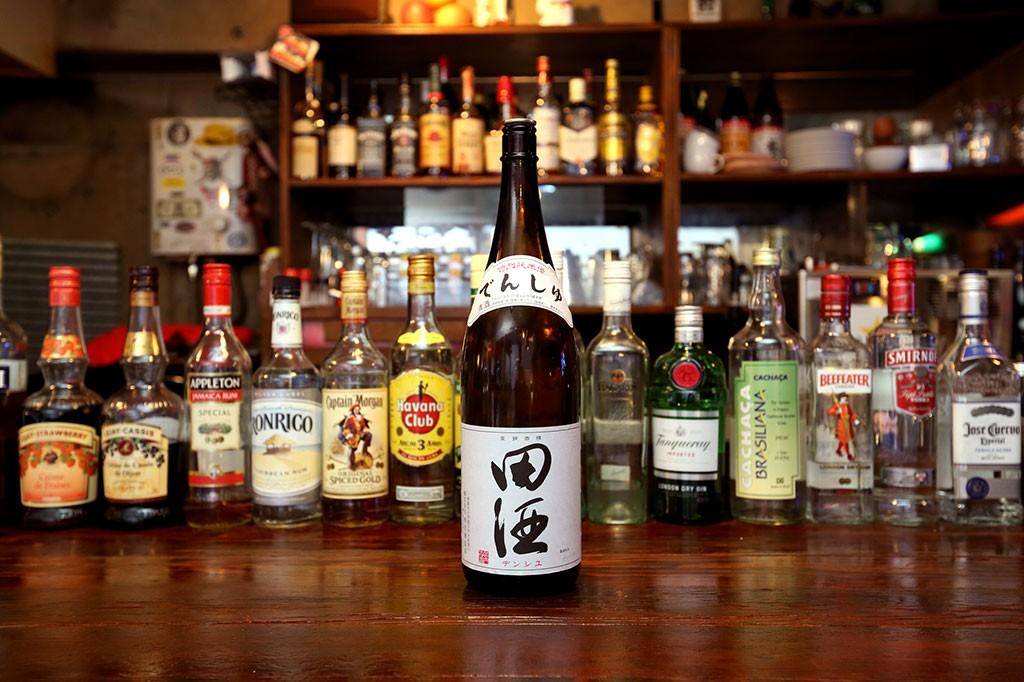 三宿で田酒が飲めるお店 La Familia